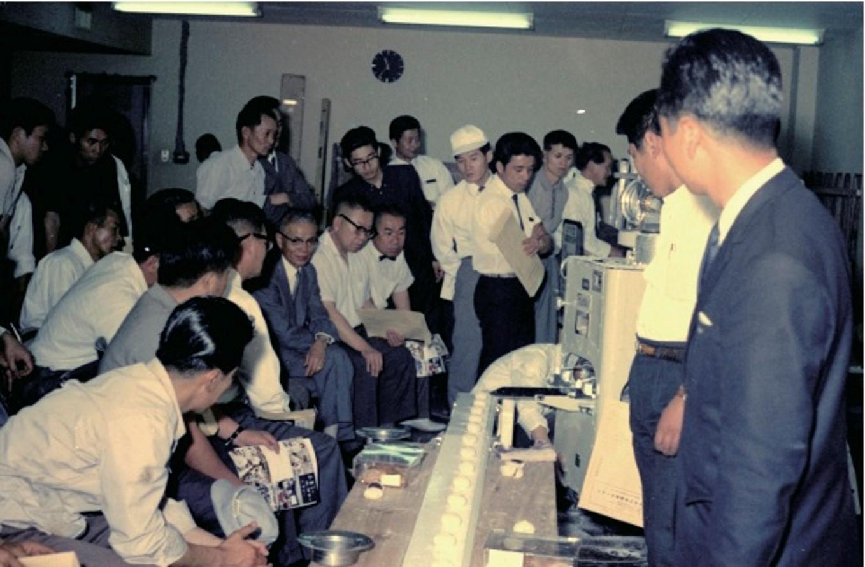 コラムvol. 5 和菓子屋に、和菓子職人に「包あん機」を認めてもらうために虎彦がとった奇策とは?